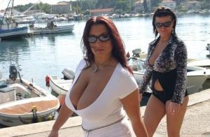Huge Tits Public