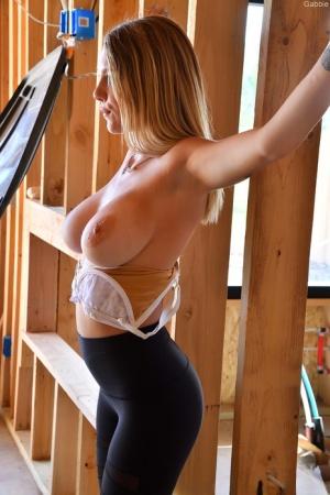 Huge Tits In Yoga Pants