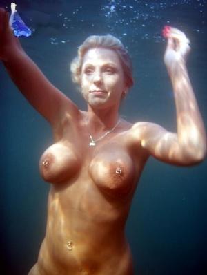 Huge Tits Underwater