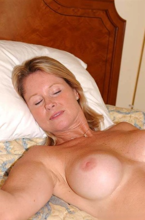 Cougar Huge Tits
