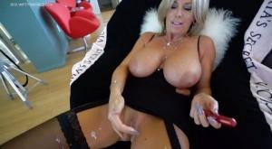 Housewife Huge Tits